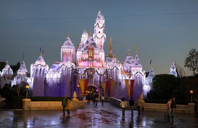 La Navidad en Disneyland Resort
