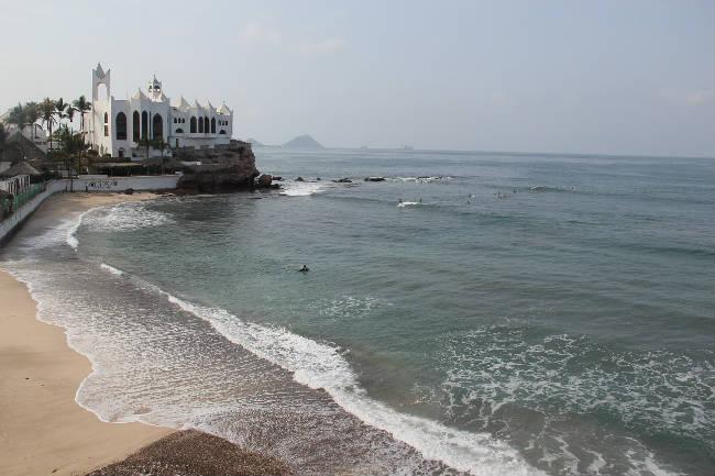 Certifican a Playa Gaviotas como Playa Limpia
