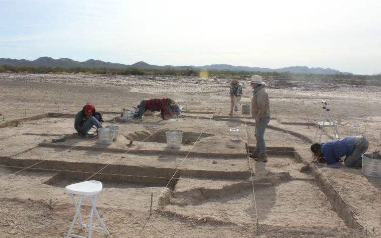 Exploran casas de los primeros agricultores del desierto de Sonora