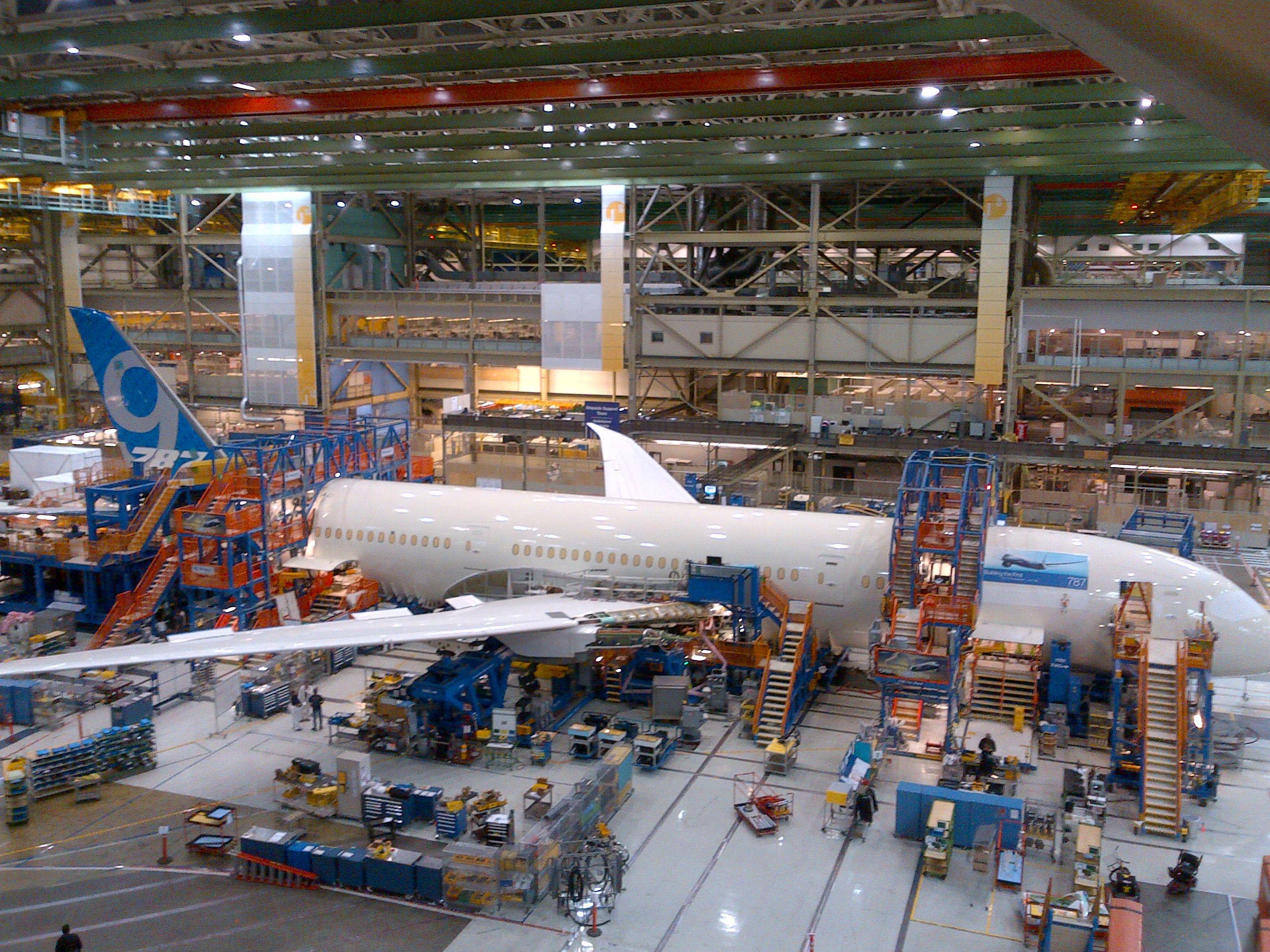 El primer Boeing 787-9 Dreamliner entra en la fase final