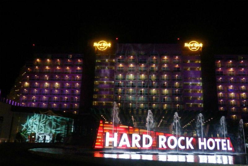 HARD ROCK HOTEL CANCUN CUATRO DIAMANTES