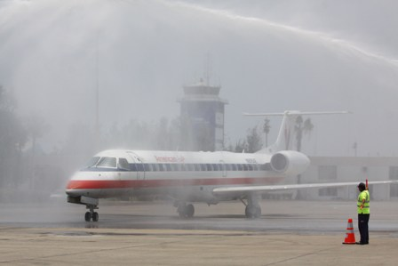 American Airlines llega de Dallas a Mazatlán.
