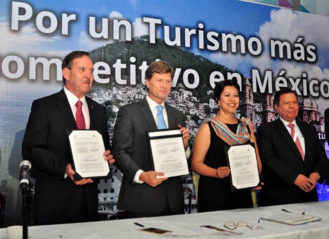 """TURISMO PARA """"VENDER"""" MÁS DESTINOS: ENRIQUE DE LA MADRID CORDERO"""