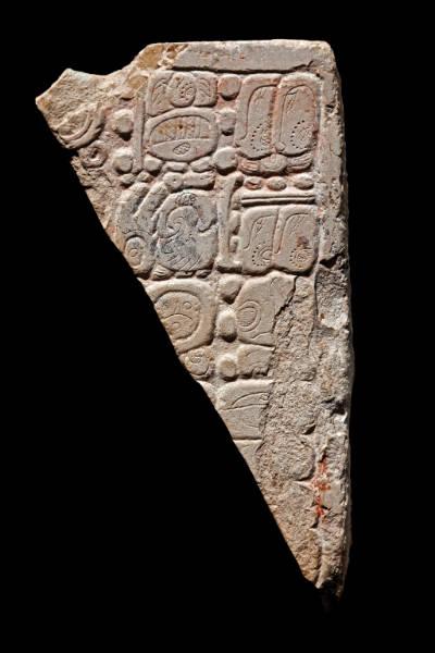 Exhiben piezas de las culturas olmeca y maya