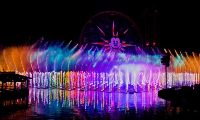 """Premier de """"World of Color"""" de Disney"""